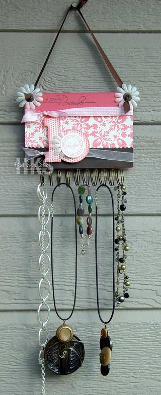 Damask-jewelry-hanger