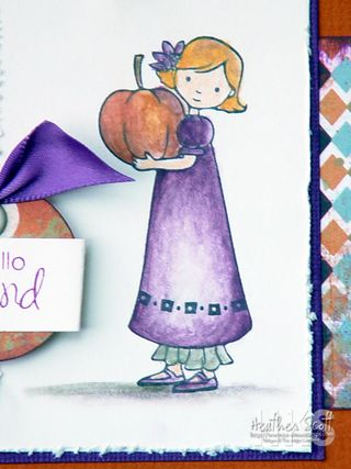 Pumpkin-girl-w-chalks-detai